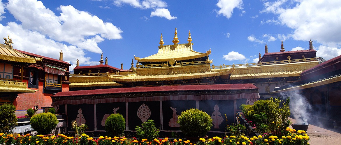 Jokhang Temple is recognized as the holiest temple in Tibet. It located in the heart of the old Lhasa.