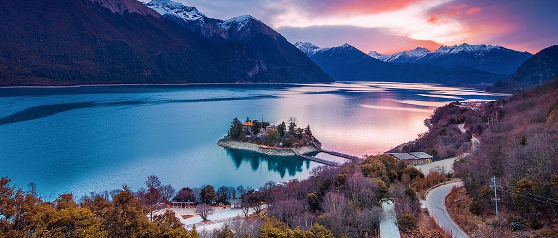 Draksum-tso Lake is one of the holiest lake of Nyingmapa (Red Sect of Tibetan Buddhism).