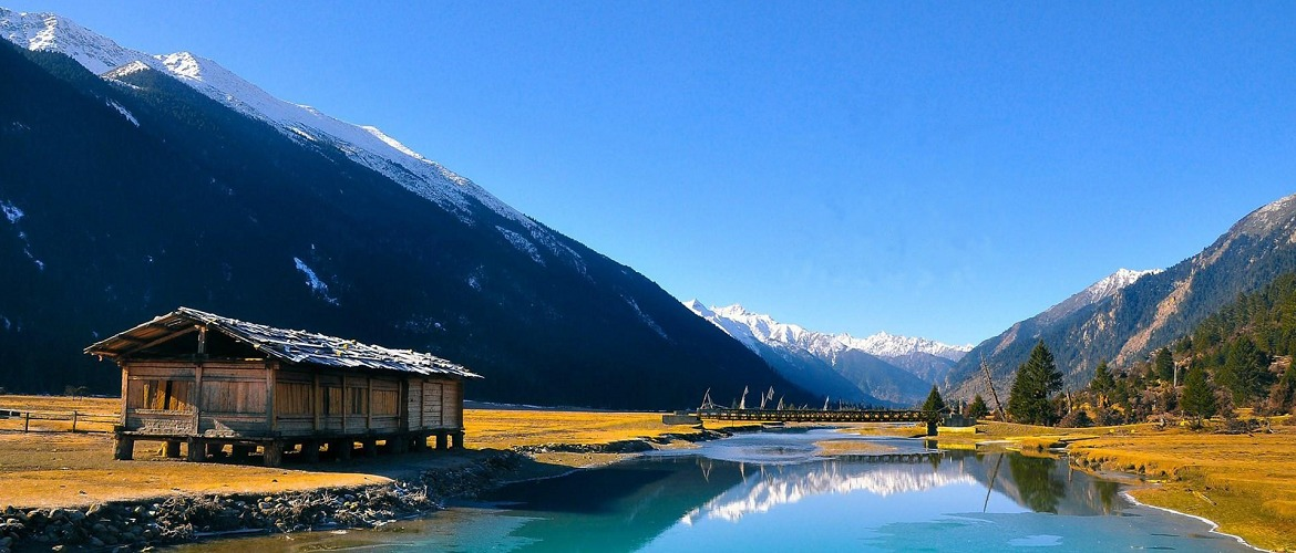 Draksum-tso Lake is the first and the only 5A natural scenery spot in Tibet.