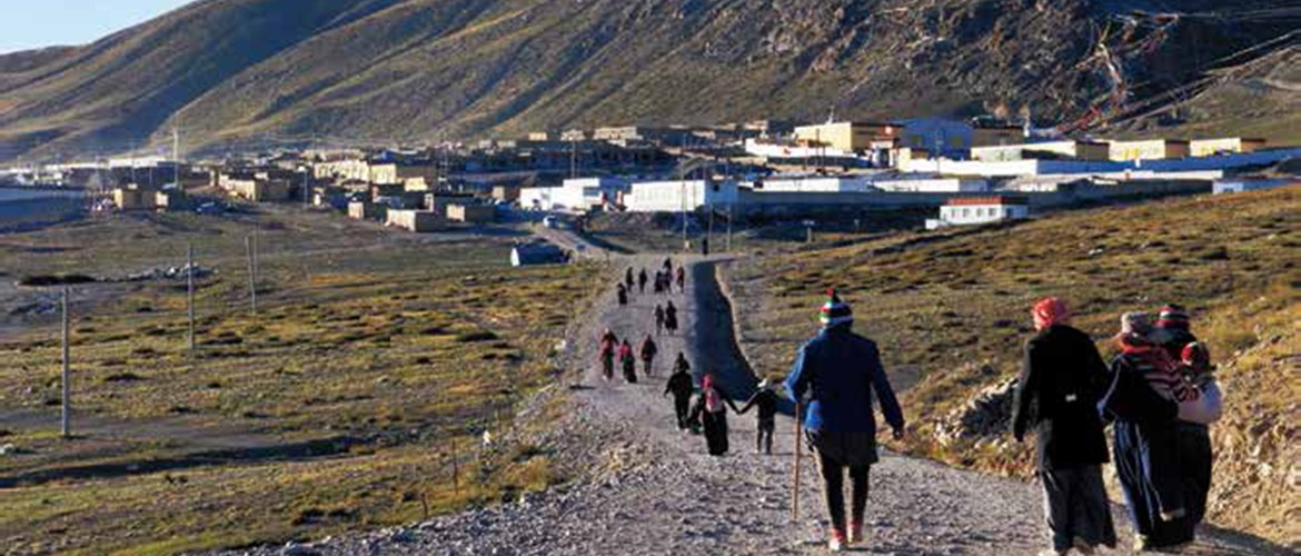 At altitude 4,575 meters, Darchen is the starting point for pilgrimages in Ali region.