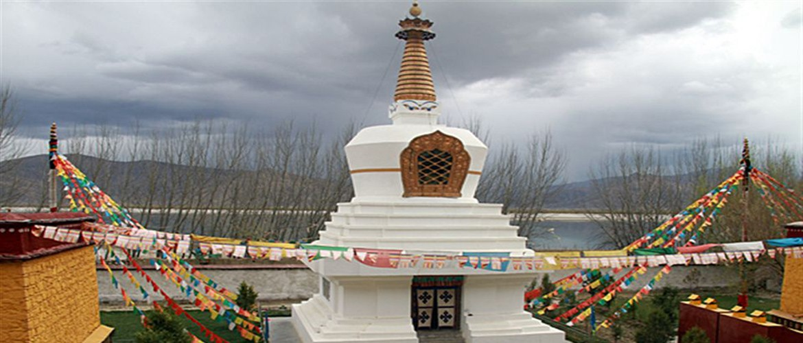 Dorje Drak Monastery is located on north bank of the Yarlung Zangbo River, Gonggar county, Tibet.
