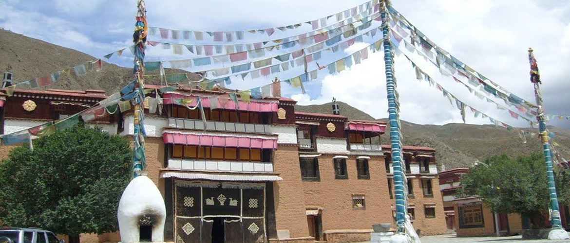 Gongkar Chode Monastery is located in Gangdui town, Gonggar county, Shannan District, Tibet autonomous region, with an altitude of 3,598 meters.