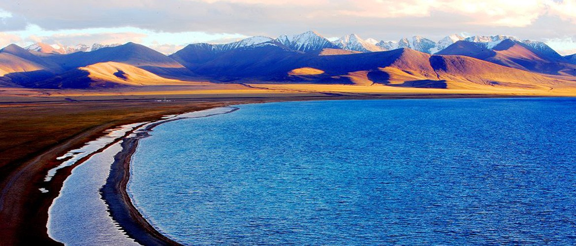 Amazing scenery of Namtso Lake.