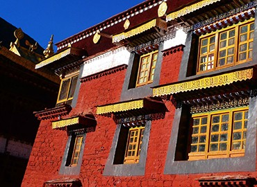 There are many rare and historical relics in Tsurphu Monastery.