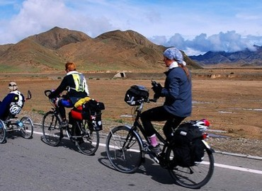 Lhasa & Ganden Biking Tour