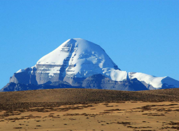 With an altitude of 6656m, Mt. Kailash is not the highest mountain in the world. But it is mysterious that it is never to be conquered.