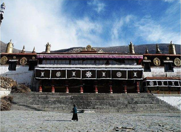 Drepung Monastery is one of the three greatest Gelug university gompas in Tibet.