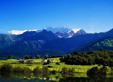 Lulang forest is in Nyingchi and shows your typical alpine scenery.