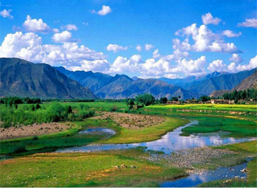 Lulang means Dragon King Valley in Tibetan, also known a place of Forget Home.