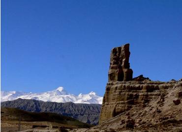 Zanda Clay Forest lies between Gangdise and Himalaya.
