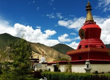 Tsedang is highly regarded as the cradle of Tibetan civilization.