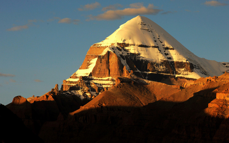 Mt.Everest is a popular destination for most travelers going to Tibet.