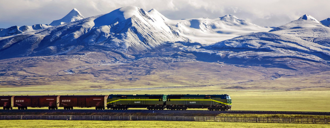 The unique scenery of Qinghai Tibet Railway.
