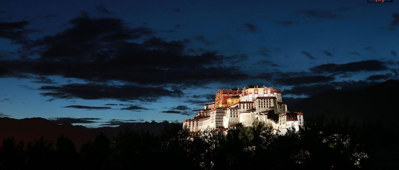Potala Palace is the landmark of Tibet.