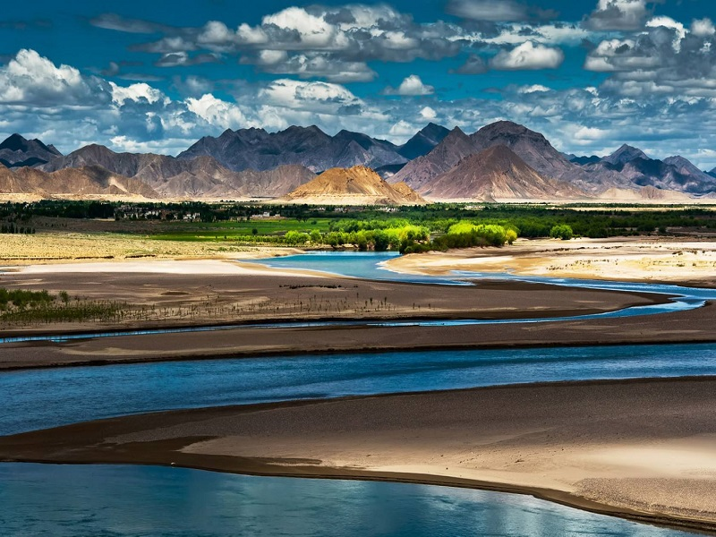 Spectacular views of Tibet.