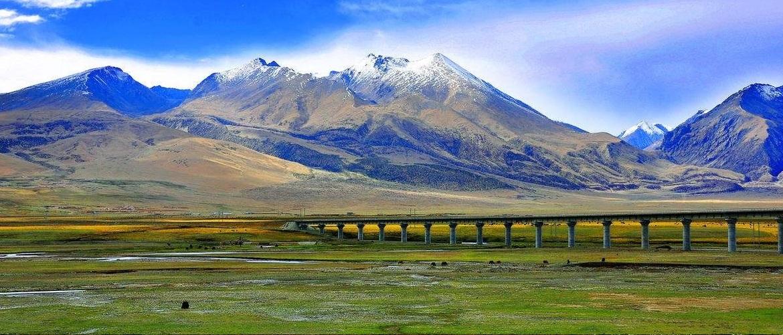 You will see stunning scenery along Qinghai-Tibet railway.