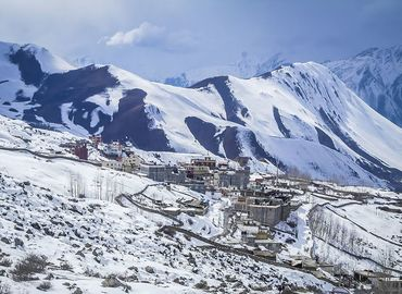 Traveling to Tibet in January is what adventurous tourists dream to do.