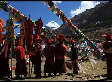 You will witness a feverish celebration of the Saga Dawa Festival around Mt. Kailash