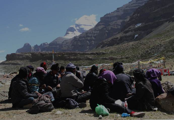 It's a major spot to celebrate Saga Dawa Festival at the foot of Mt.Kailash.