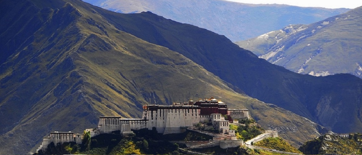Potala Palace is a must-see attraction in Tibet. You will learn the culture, religion, and royal life in this palace all together.