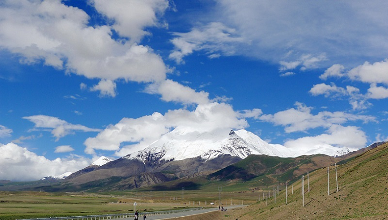 Along the trekking way, you will get close to the local Tibetan people's daily life.