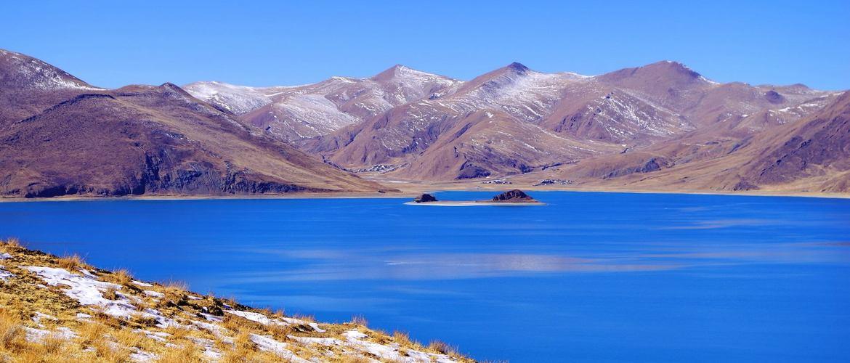 A corner of Yamdrok Lake