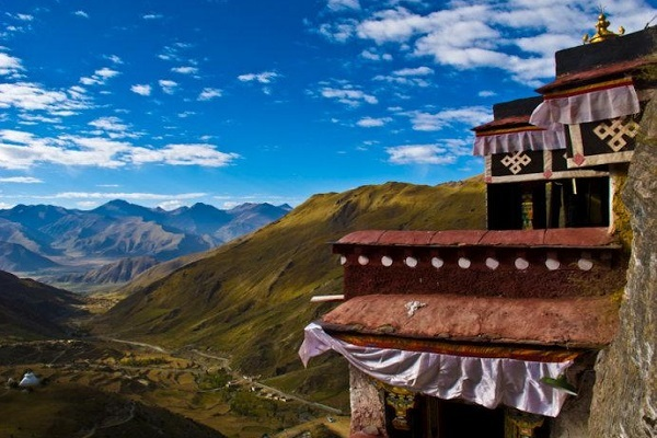 You can get out of Lhasa city to visit some famous attractions with your tour guide.