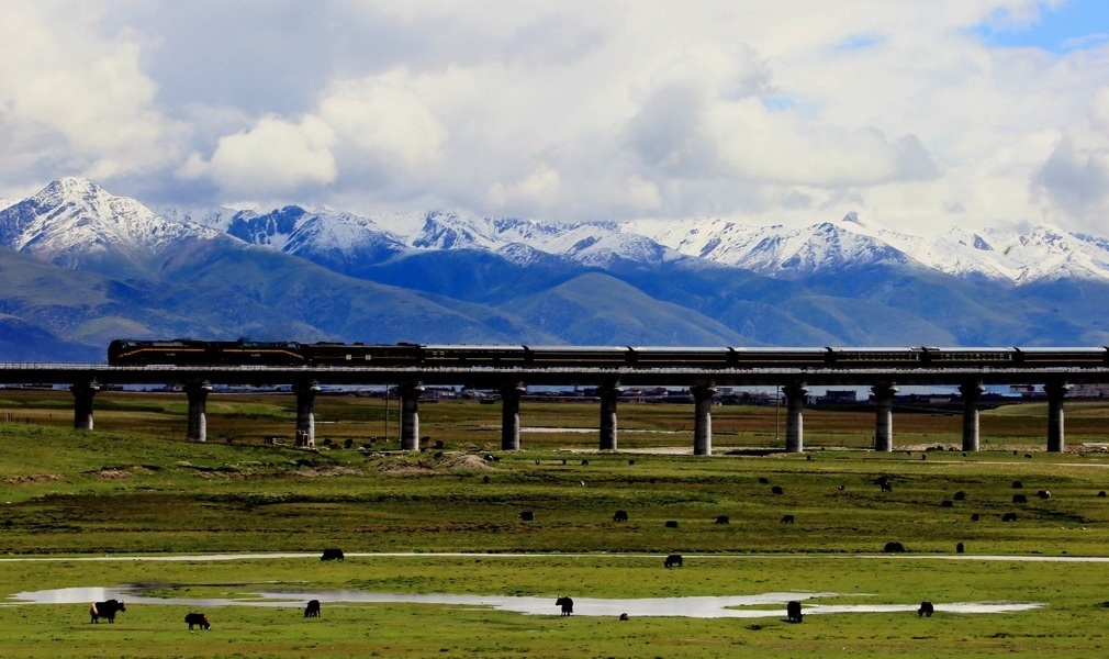 Qinghai-Tibet Railway starts from Xining.