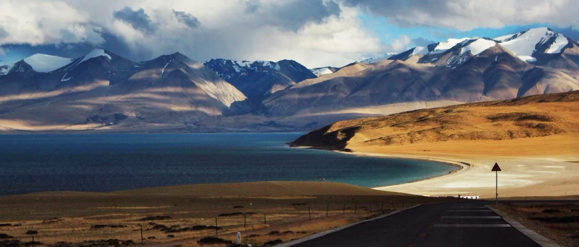 Tibet is called as the roof of the world. You will experience Tibet Buddhism, mysterious culture, and amazing natural scenery.