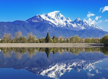 Jade Dragon Snow Mountain definitely deserves your visiting for its stunning natural scenery.