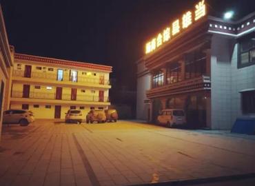 The parking lot of Jinzhu Hotel.