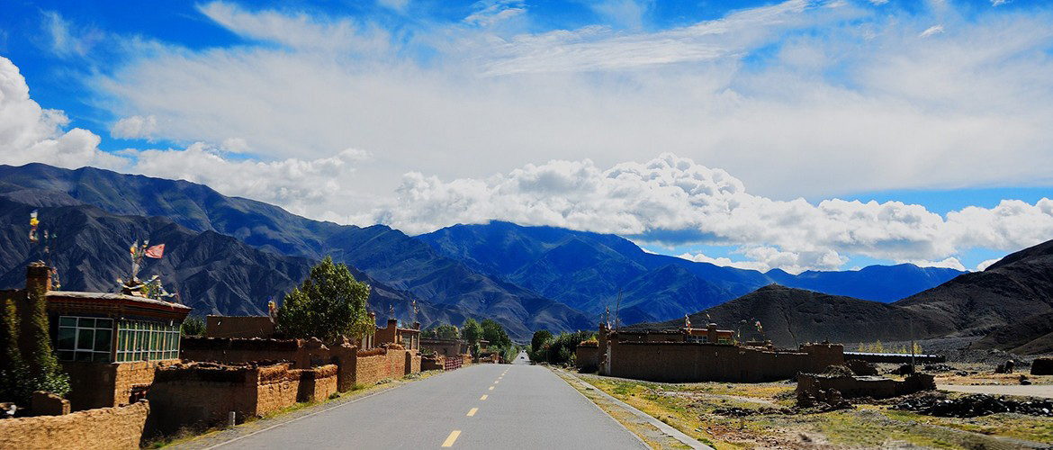 Friendship highway, also been called China-Nepal highway, is a scenic route connecting Lhasa and Kathmandu.