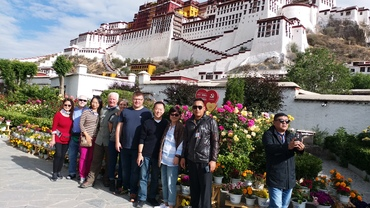 group photo with Potala Palace