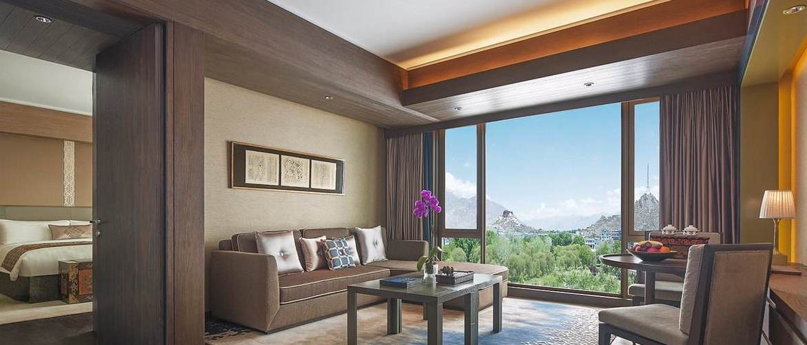 Suite in Shangri-La hotel