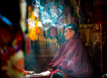 Tibetan incense is not only used to worship the Buddha, but also prevent disease from happening.