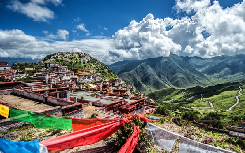 Ganden Monastery is the most important monastery of Gelug in Tibetan Buddhism.