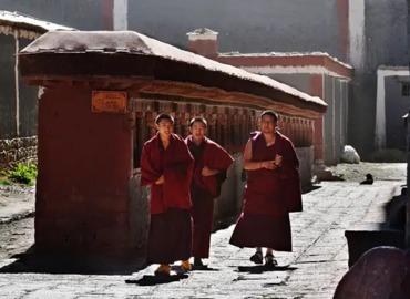 Lhasa Shigatse Everest Base Camp Sakya Tour