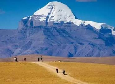 Hinduism, Tibetan Buddhism, Bon, and Jainism regard Mt.Kailash as the center of the world.