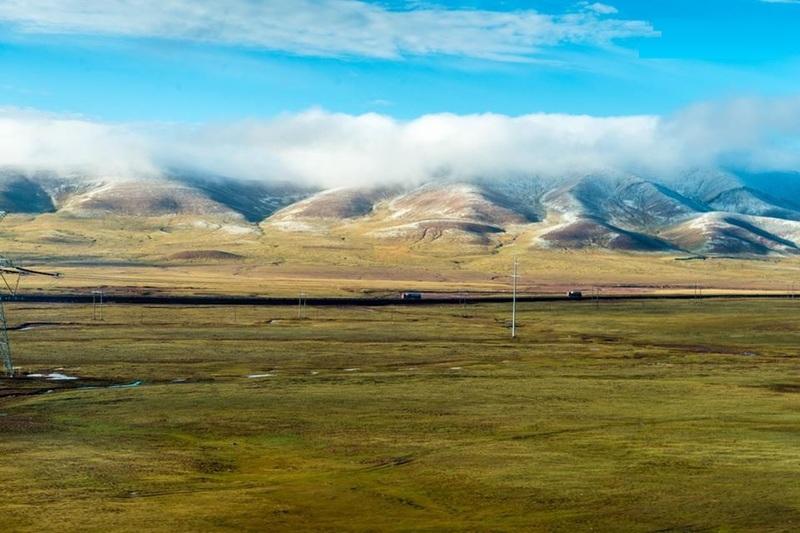 amazing scenery along Qinghai-Tibet railway.
