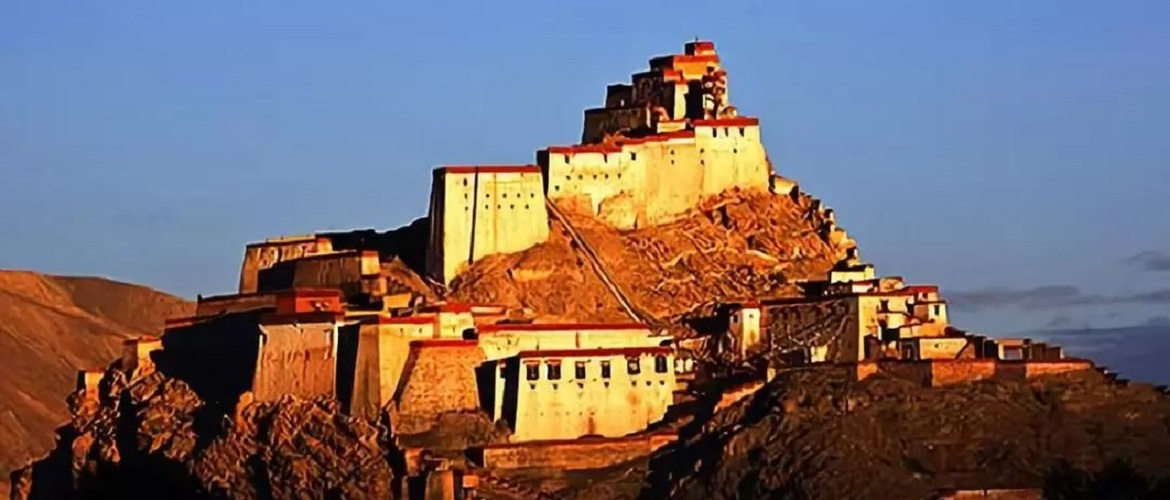 Gyantse Dzong is famous for patriots