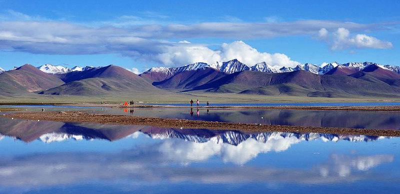 Lake Namtso is referred as the heavenly lake.