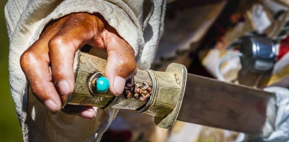 Tibetan knife2