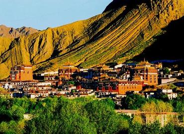 Tashilhunpo Monastery is located at the foot of Drolmari (Tara's Mountain), Shigatse.
