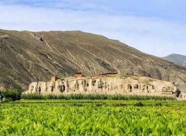 The greatest Tibetan king Tsongsang Gampo also lies in Chongye Burial Mounds.