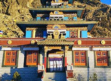 Dorje Drak Monastery is one of the six great monasteries of the Nyingmapa sect of Tibetan Buddhism.